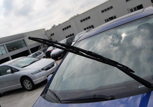 How do you know the correct use of car wiper blade ?